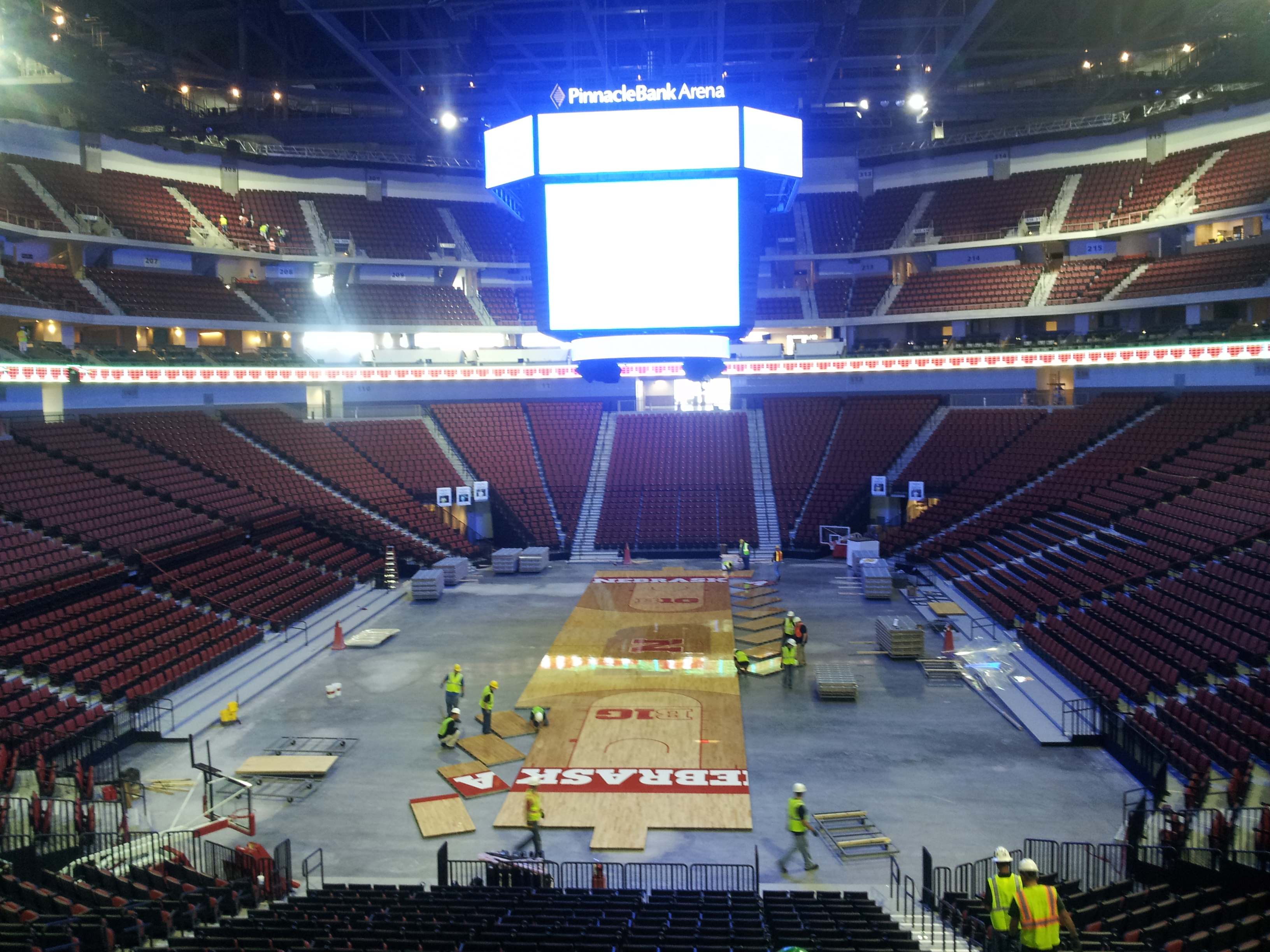 Pinnacle Bank Arena center hung